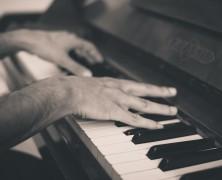 Quel piano neuf acheter pour jouer en appartement ?